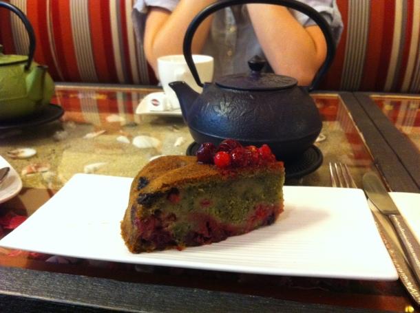 Gâteau thé vert fruits rouges